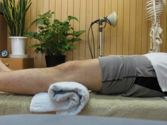 膝をしっかりと伸ばすリハビリ